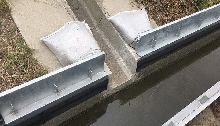後付け施工の簡単な方法で水路かさ上げ