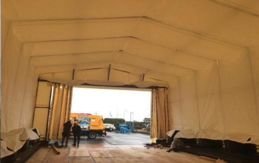 テント内塗装作業からの保護のため内幕を利用